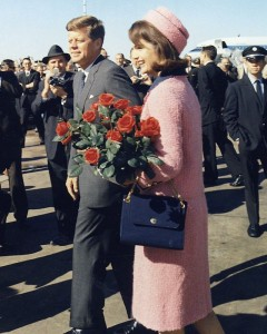 Kennedys_arrive_at_Dallas_11-22-63_(Cropped)